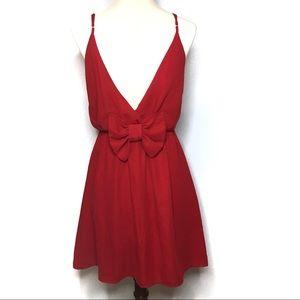 FRANCESCA'S MYAN RED DRESS V-SHAPE BACK BOW DETAIL